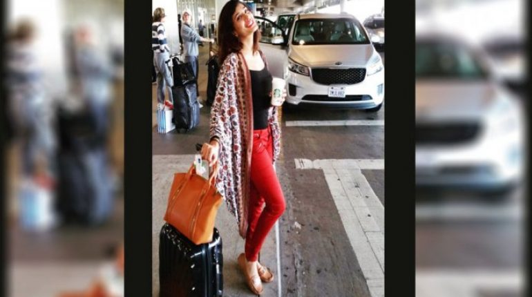What Pakistani Celebrities Wear When Travelling