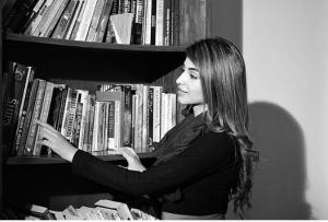 Latest Beautiful Photoshoot of Kinza Hashmi