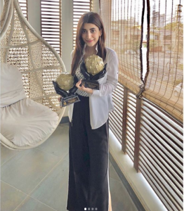 Urwa Hocane Won The Award For Movie Punjab Nahi Jaungi