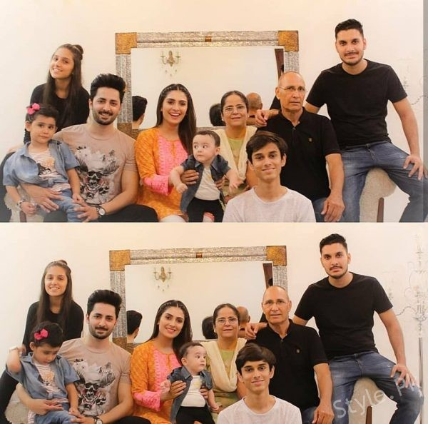 Beautiful Clicks Of Ayeza Khan With Her Family