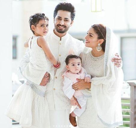 Ayeza Khan Amp Danish Taimoor With Their Kids And Family On