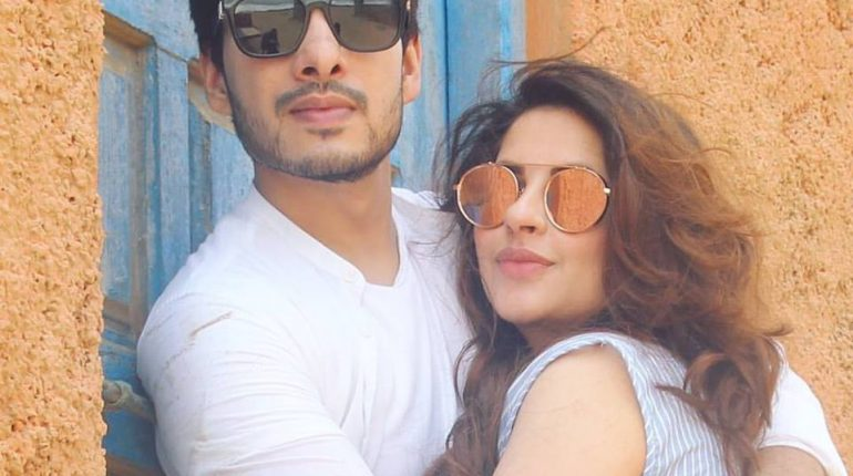See Fatima Effendi and Kanwar Arsalan's Beach Pictures