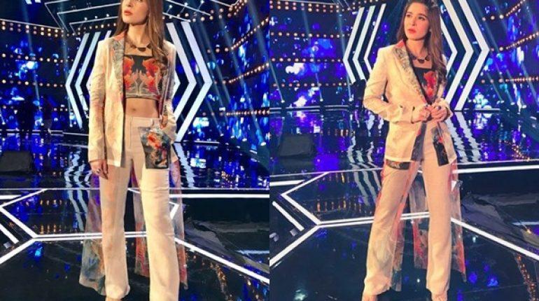 See Ayesha Omar Looks Trendy in Pant Suit