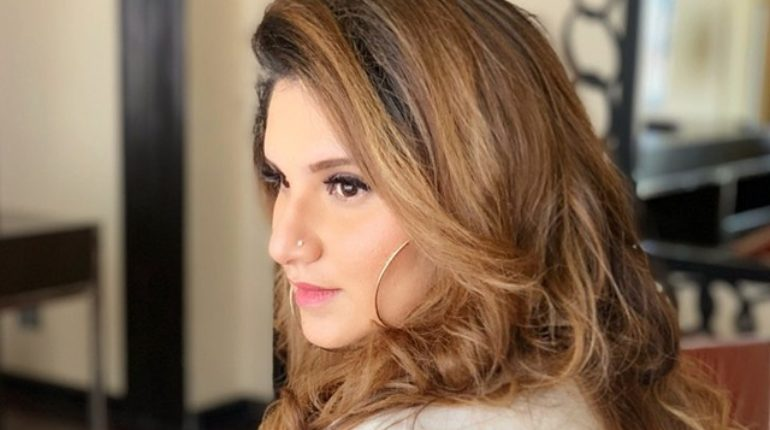 Sania Mirza Strongly Reacts on Viral Video Partying outside with