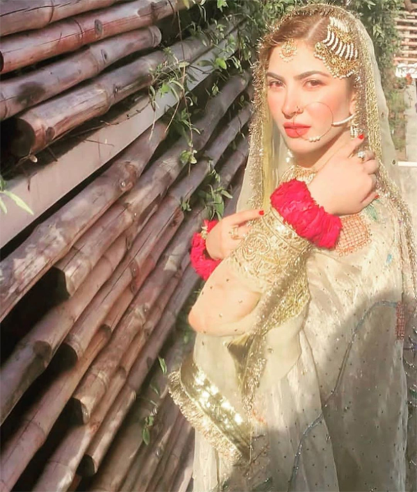Naimal Khawar Abbasi Revealed about her Nikkah Dress Makeup and Hair Style